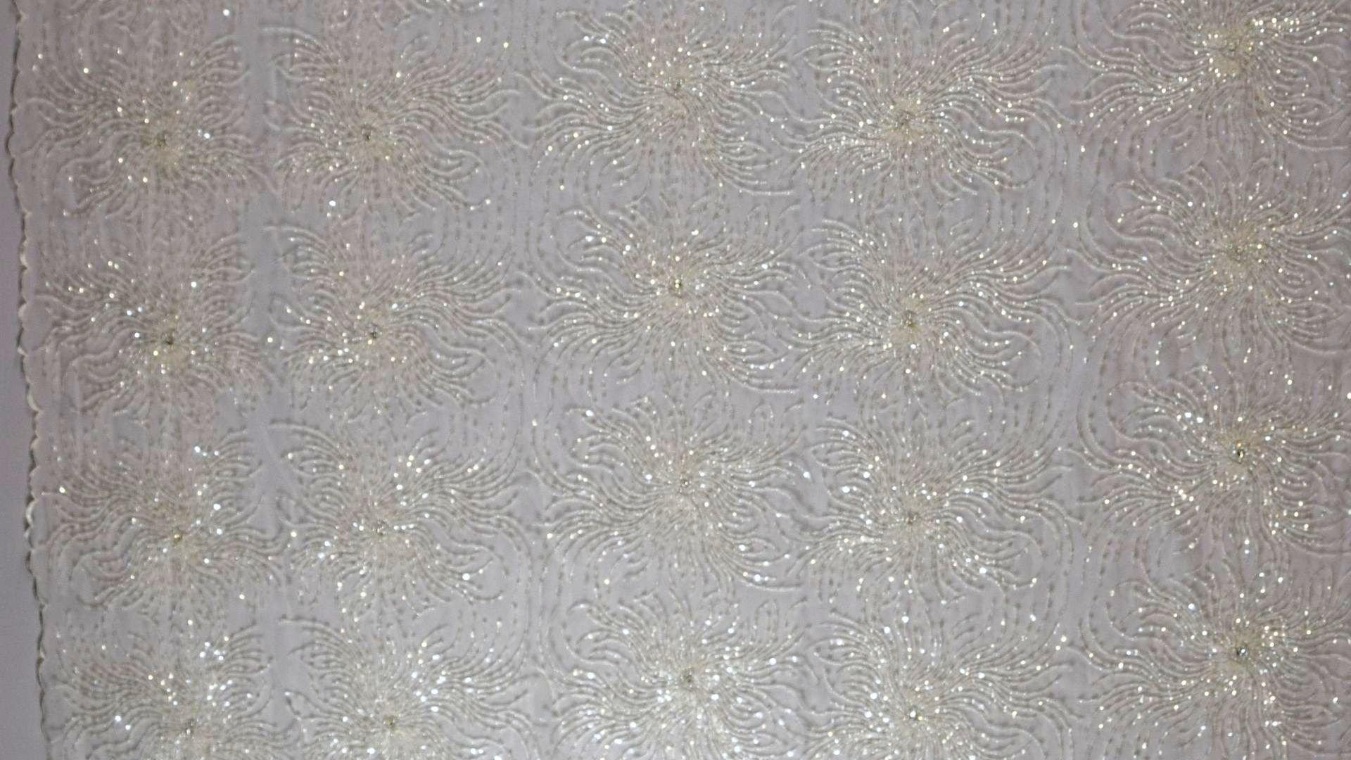 il particolare del tessuto lv5928, appartenente alla categoria ricami sposa con accessori, di Leadford & Logan