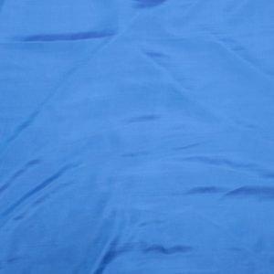 il particolare del tessuto chiffon todi, appartenente alla categoria uniti seta, di Leadford & Logan