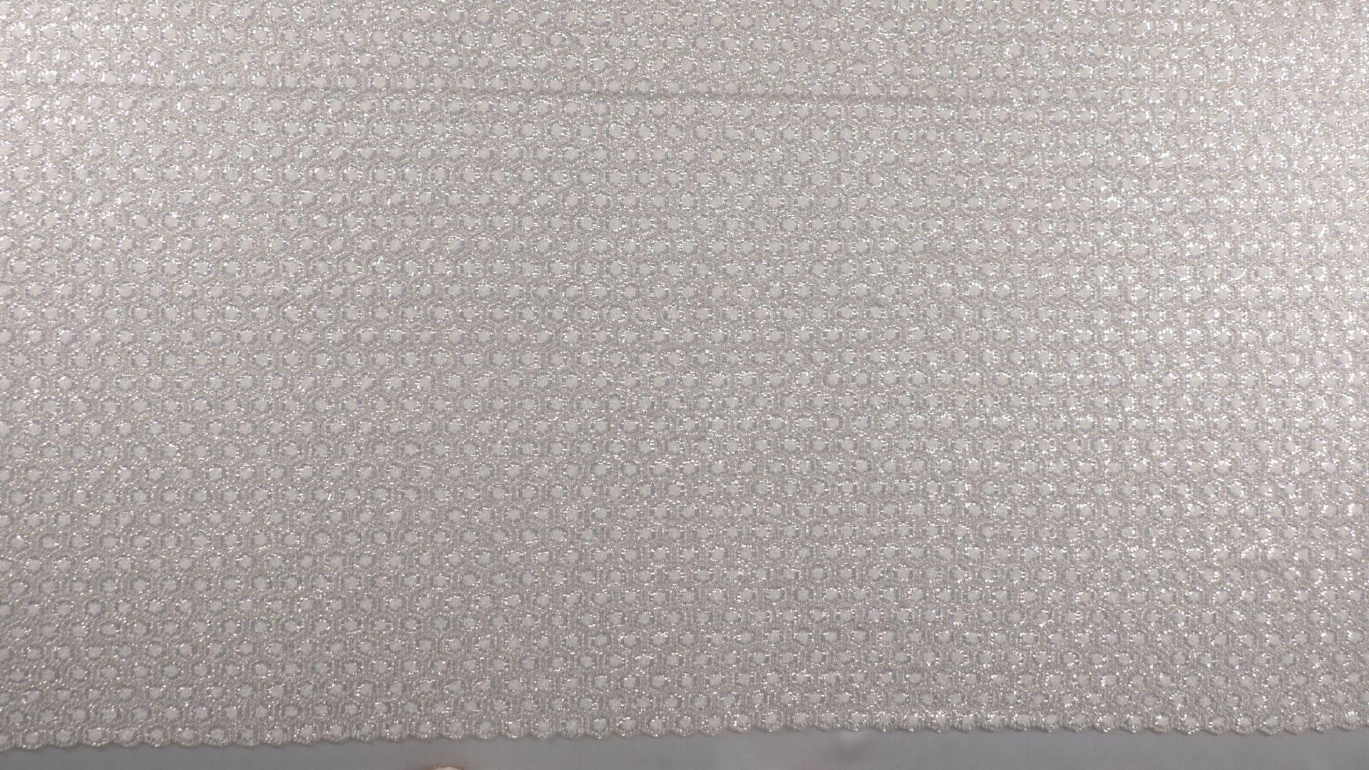 il particolare del tessuto lv111954, appartenente alla categoria ricami con accessori, di Leadford & Logan