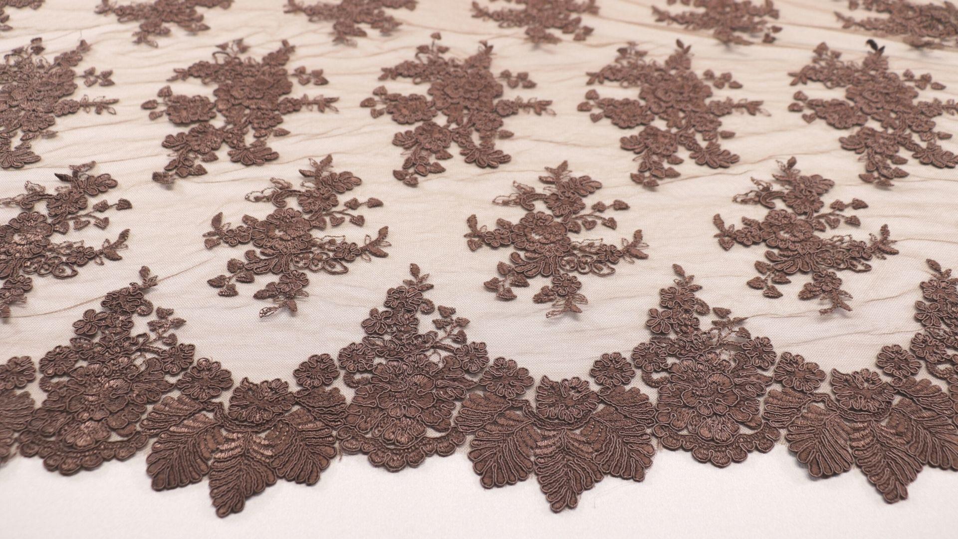 il particolare del tessuto lv5625, appartenente alla categoria ricami senza accessori, di Leadford & Logan
