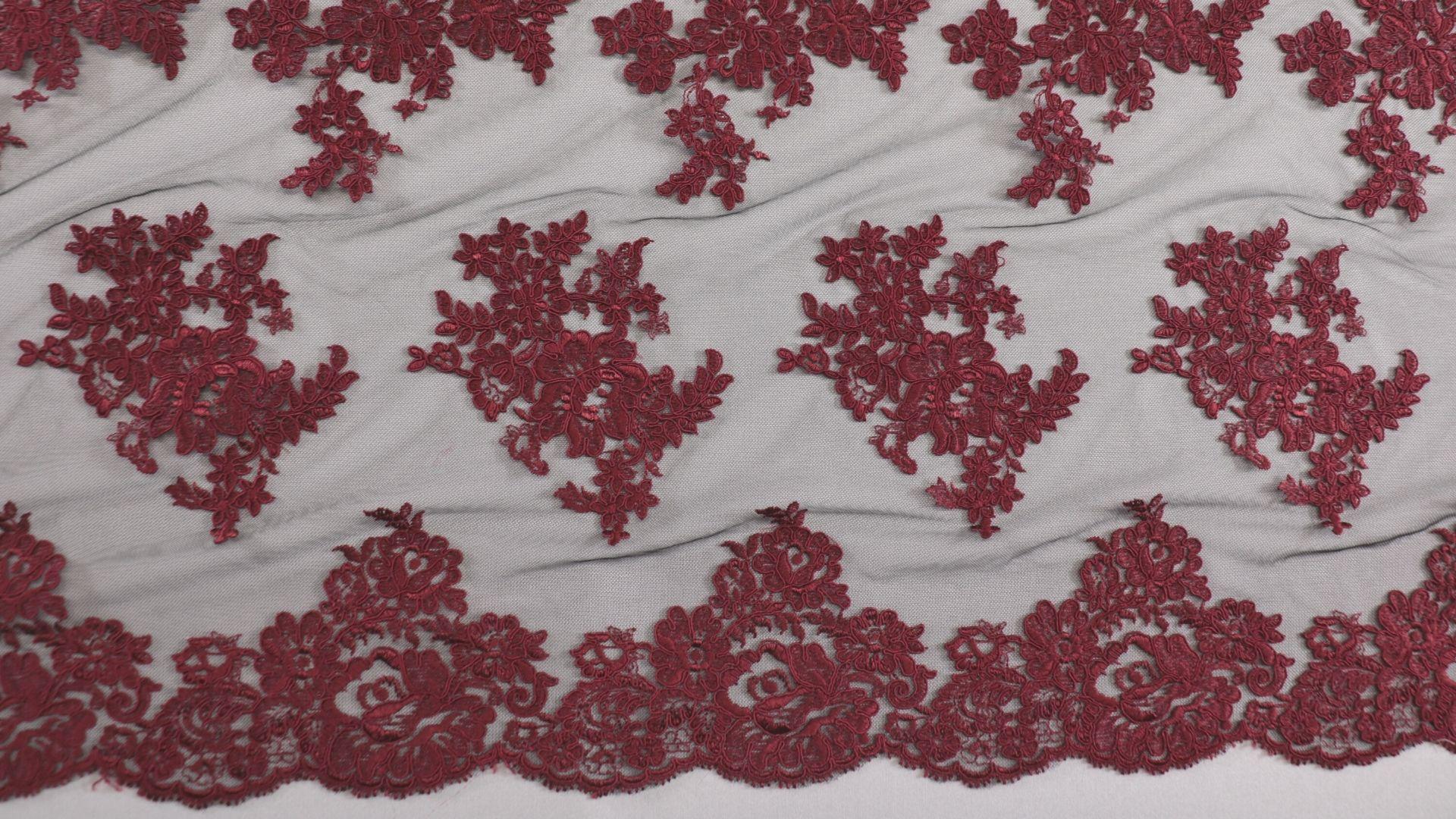 il particolare del tessuto lv9632, appartenente alla categoria ricami da sposa, di Leadford & Logan