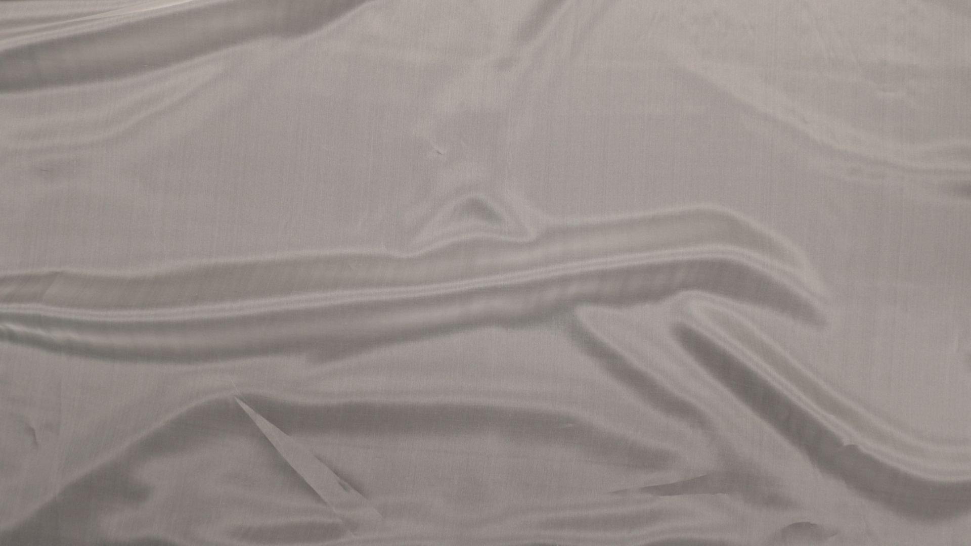 il particolare del tessuto organza ortel, appartenente alla categoria uniti seta, di Leadford & Logan