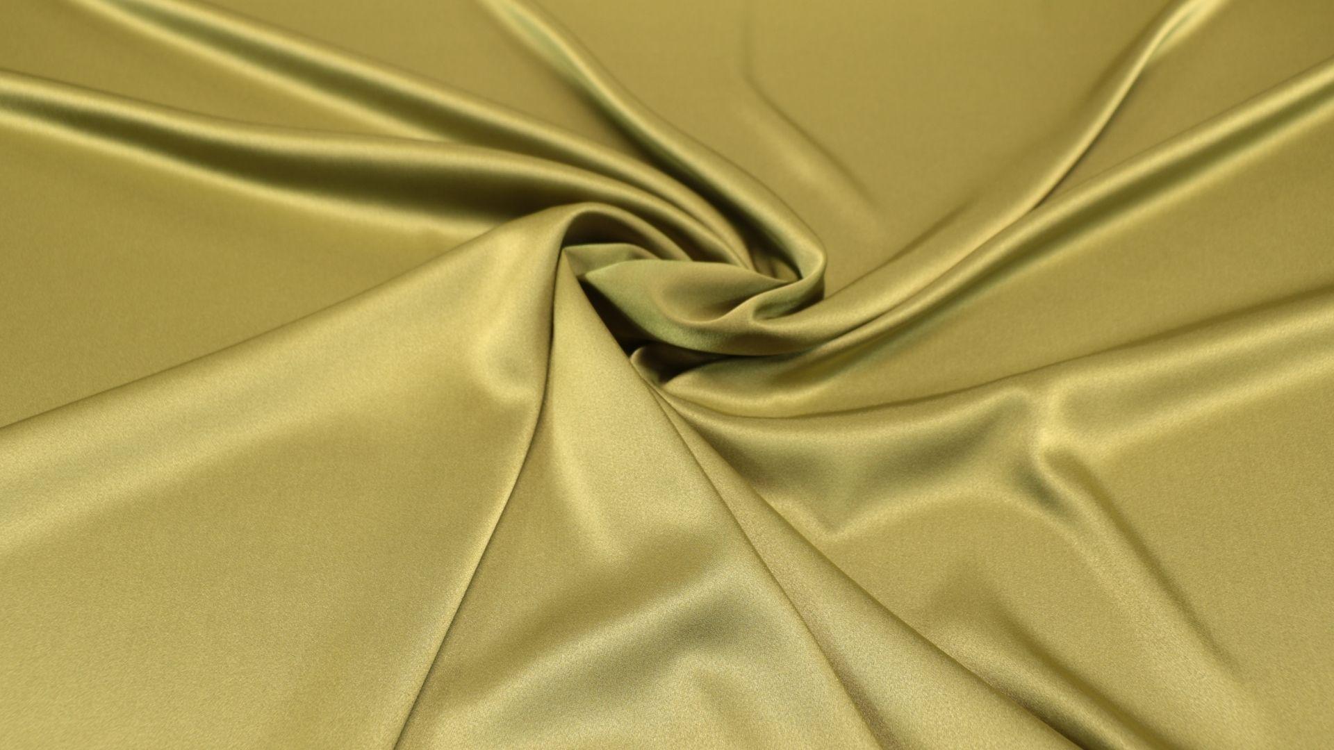 il particolare del tessuto satin perlato, appartenente alla categoria uniti serici, di Leadford & Logan