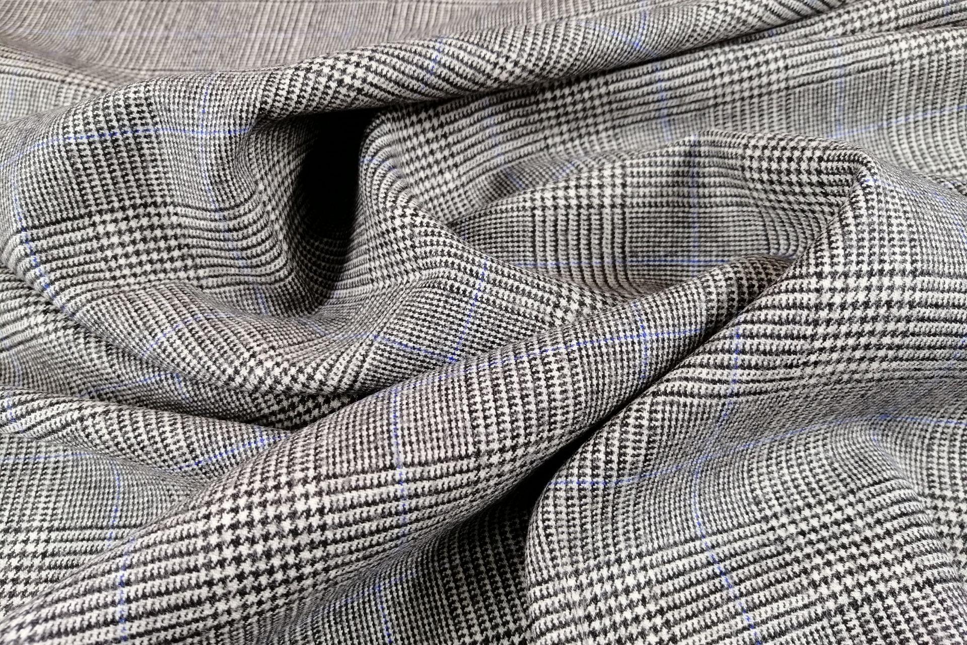 il particolare del tessuto galles pied de poule13500, appartenente alla categoria fantasie classici, di Leadford & Logan