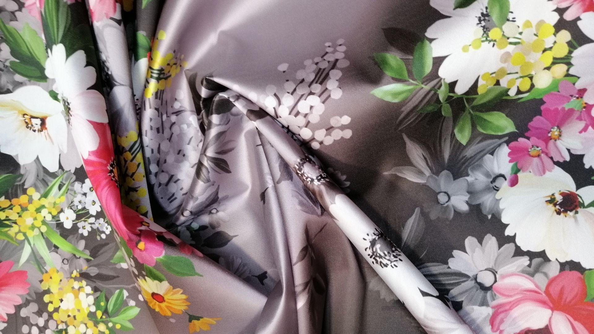 il particolare del tessuto valencian, appartenente alla categoria stampe-poliestere-fibremiste, di Leadford & Logan